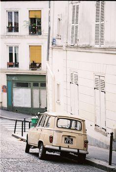 Came across these beautiful photos of Paris by Anastasiya Belik