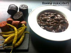 Receta tradicional para preparar en casa unas deliciosas alubias de Tolosa a fuego lento, sin prisa, con mucho cariño y sus sacramentos