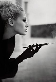 l-historie-de-Mademoselle-blackwhite-beauty-woman-smoke-blackwhite-beauty-mmmmm-Allure-smoking-tags-Mademoselle-classy-gi-analove-black-white-My-things-ClassyLady-ceca-Sensuality-Beauty_large.jpg 376×550 pixels