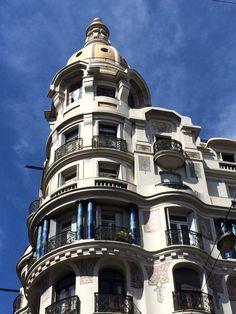 Edificio Rex, de 18 de Julio y Julio Herrera y Obes, Montevideo