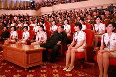 Ким Чен Ын в театре.png http://vg-saveliev.livejournal.com/1492462.html