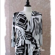 Avital Tops -  Low Cut Crossover Top Artsy Black White 2XL