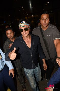Shah Rukh Khan and family return from London