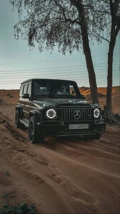 Mercedes Brabus, Mercedes Jeep, Mercedes G Wagon, Mercedes Benz G Class, Mercedes Wallpaper, Jeep Wallpaper, Iphone Wallpaper, Pickup Truck Accessories, R35 Gtr