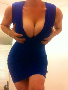 You should always be on display. #bimbo #curves