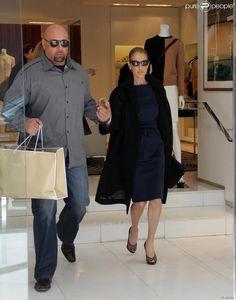 La chanteuse Céline Dion fait du shopping dans un magasin Michael Kors à Beverly Hills (Los Angeles), le 13 février 2014.