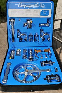 Campagnolo Anniversary group set A Thing of Beauty Bici Retro, Velo Retro, Velo Vintage, Retro Bicycle, Vintage Bikes, Road Bikes, Cycling Bikes, Bici Fixed, Bike Components