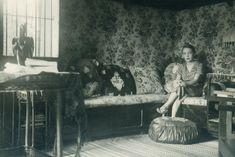 Marguerite Duras, Roland Barthes, Tom Wolfe, Margaret Mitchell, Vintage Interiors, Agatha Christie, Book Quotes, Book Lovers, Handsome