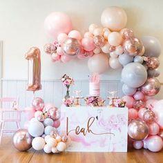 Baby First Birthday Girl Dekoration Luftballons Neue Ideen - - Flamingo Party, Flamingo Birthday, Flamingo Cake, Mermaid Birthday, 1st Birthday Party For Girls, Girl Birthday Themes, Gold First Birthday, Cake Birthday, First Birthday Balloons