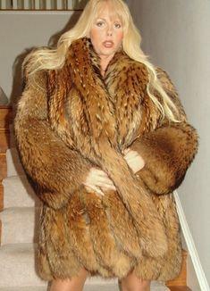 Fur Fashion, Womens Fashion, Fabulous Fox, Fur Coats, Fox Fur, Worship, Fisher, Beautiful Women, Long Hair Styles
