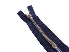 Zíper de metal grosso - niquelado - jeans - fixo. Site: http://nacelleaviamentos.com.br/ziperes/vislon/ziper-fixo-jeans-detail Tel: (11) 2790-2244
