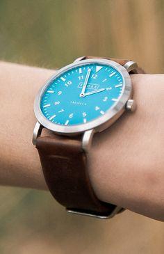 The Shore Project 3 watch makes a great gift for your brother, boyfriend, or dad!