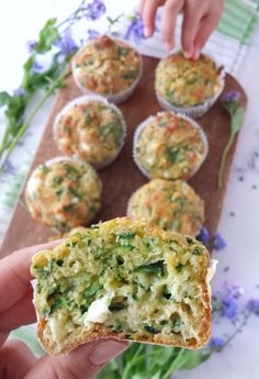 Zucchini spinach & feta muffins food for babby Savoury Muffins Vegetarian, Veggie Muffins, Healthy Muffins, Gluten Free Savoury Muffins, Veggie Recipes Healthy, Baby Food Recipes, Healthy Snacks, Cooking Recipes, Greek Recipes