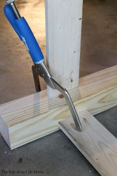 Use your Kreg Jig® and Right Angle Clamp to create a stylish outdoor serving buffet.