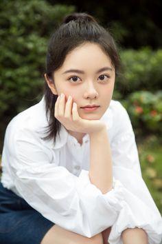Shenyang, China Art, Ulzzang, Cute Girls, Korean Fashion, First Love, Short Hair Styles, Angel, Celebrities