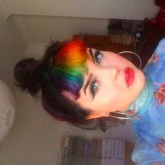 Alternative Style - Clothing, Accessories & Hair I LOVE/WANT Life might not be all sunshine and rainbows, but at least your hair can be with AF color! Take a look at bangs for some… Baddie Hairstyles, Elegant Hairstyles, Black Women Hairstyles, Vintage Hairstyles, Hairstyles With Bangs, Weave Hairstyles, Pretty Hairstyles, Straight Hairstyles, Hairstyles Videos