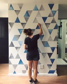 99 Trendy Diy Wall Art Ideas is part of Diy wall painting - As the seasons change, most people get the itch to redecorate or change up their home Whether your home or […] Diy Living Room Paint, Room Wall Painting, Diy Painting, Apartment Painting, Painting Designs On Walls, Room Paint Designs, Painting Textured Walls, Wall Paint Patterns, Creative Wall Painting