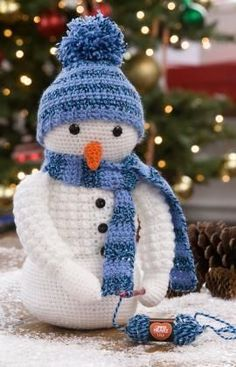 Crochet Snowman Free Crochet Pattern in Red Heart Yarns (UK terms)