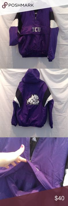 🎉Final Sale🎉 Men's L TCU jacket Horned frogs purple TCU jacket. Has front pocket, 1/2 zip that exposes a horned frog underlining. Puff jacket size L made by Majestic Majestic Jackets & Coats Puffers