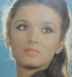 Από τα καλλιστεία στον Ελληνικό Κινηματογράφο…Πολλές Ελληνίδες έλαβαν μέρος στα καλλιστεία και στη συνέχεια σημείωσαν μικρή … Hoop Earrings, Fashion, Moda, Fashion Styles, Fashion Illustrations, Earrings