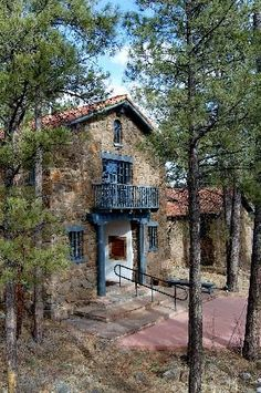 Museum of Northern Arizona in Flagstaff, great for Arizona art and history.