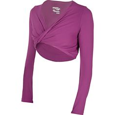 Channel your inner run fashionista with this stylish top featuring soft-as-cotton PrimoLite fabric.