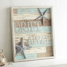48 Awesome Nautical Wall Decoration Ideas To Get Unique Look - HOOMDESIGN- Unique beach cottage – have a look at our guide for additional inspirations! Nautical Wall Decor, Seaside Decor, Nautical Home, Coastal Decor, Beach Wall Decor, Nautical Pallet Ideas, Beach Themed Decor, Beach Decor Bathroom, Starfish Wall Decor