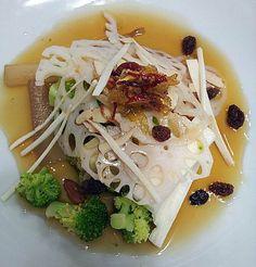 100% 참나물효소를 곁들여 웰빙 인삼,마 샐러드로 업그레이드를 하였습니다 < ginseng salad > - SANNERI traditional korean restaurant in insadong,seoul,korea