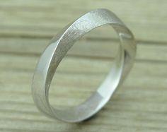 Mobius wedding ring, 6mm wide mobius wedding band, mobius strip ring, gold…