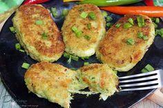 Kotlety brokułowe z mozzarellą | Di bloguje Mozzarella, Zucchini, Vegetables, Healthy, Food, Pierogi, Diet, Veggies, Vegetable Recipes