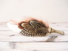 Rustic wedding feather boutonniere Men's lapel by NoonOnTheMoon Wedding Veil, Fall Wedding, Rustic Wedding, Wedding Flowers, Wedding Ideas, Woodland Wedding, Boho Wedding, Wedding Stuff, Wedding Planning