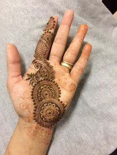 Which one Via: by Fauzellah Sahabdin , others : . - Mehndi designs - Henna Designs Hand - Tattoos and Mehndi - Henna Art Designs, Mehndi Designs For Girls, Indian Mehndi Designs, Mehndi Designs For Beginners, Mehndi Designs 2018, Stylish Mehndi Designs, Mehndi Designs For Fingers, Mehndi Design Photos, Beautiful Mehndi Design