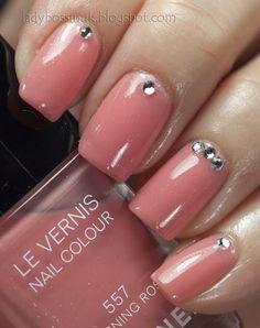 White, Blush, and Pink. A Polish Addict nails rose pink strass stud manicure Gorgeous Nails, Love Nails, Pink Nails, Pretty Nails, Nail Art Vernis, Nail Manicure, Bridal Nails, Wedding Nails, Chanel Nail Polish
