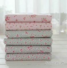 Country Shabby Chic Stoff Kleine Rosa Blume Baumwollgewebe Auf Licht Blau Baumwolle