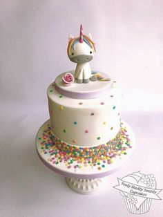 25 Magical Unicorn Cakes - That Looks Fab! Pretty Cakes, Cute Cakes, Cake Cookies, Cupcake Cakes, Funfetti Cake, Savoury Cake, Creative Cakes, Unique Cakes, Celebration Cakes