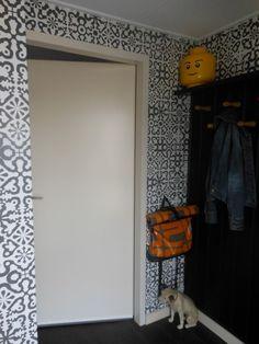zwarte geometrische figuren - Funky Walls - Dé webshop voor vintage en modern behang #Lavmi