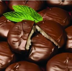 HOMEMADE PEPPERMINT PATTIES *