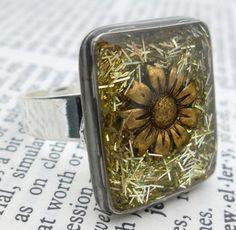 Daisy in Glitter Grass Handmade Resin Ring  Watch by wiggelhevin, $22.00