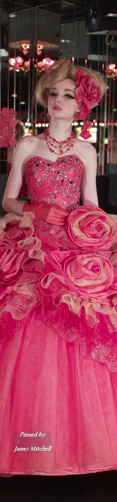 Stella de Libero, I want to wear this and be Effie Trinket for halloween