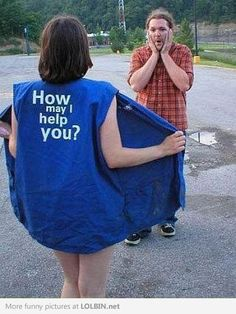 How can I help? I will take two of those and a extra serving Walmart Funny, Only At Walmart, People Of Walmart, Stupid People, Walmart Customers, Walmart Shoppers, Save Money Live Better, Very Demotivational, May I Help You