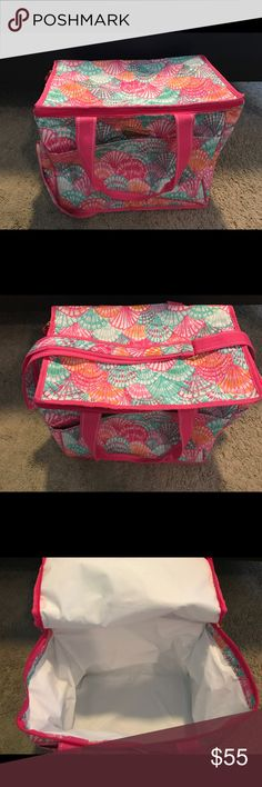 Lilly Pulitzer cooler Excellent condition Lilly Pulitzer Bags