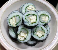 식당하는 친정엄마에게 칭찬받은 엄지의 제왕 해독김밥 만드는법 K Food, Good Food, Brunch Cafe, Vegan Recipes, Cooking Recipes, Baked Salmon Recipes, Sushi Rolls, Appetisers, Korean Food