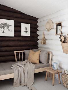Bar Design, Design Studio, House Design, Log Cabin Homes, Cottage Homes, Plywood Furniture, Little Log Cabin, Cabin Interior Design, Cottage Interiors