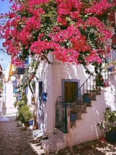 So picturesque....probably not Corfu but very typical of village houses