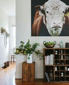 Welcoming family homestead near Coleraine, Victoria Country Style February Photography Marnie Hawson, styling Lee Blaylock. Country Lounge, Country Decor, Country Entryway, Country Art, Country Style Homes, Cottage Style, Modern Country Style, Country Style Magazine, Country Living Magazine