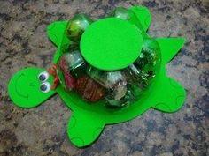 No tires las botellas de plástico. Manualidades con reciclaje para niños | Aprender manualidades es facilisimo.com