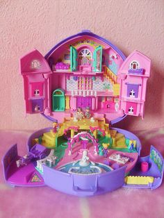 Polly Pocket - Remember when how bad you want to shrink yourself so you could live in your polly pocket? Or was I the only one wishing that?