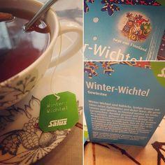 #Salus Winter-Wichtel-Tee! Schmeckt lecker nach #Kardamom und ist genau das richtige für einen regnerischen Herbsttag.  #syksy #herbst #schmuddelwetter #regentag #tassetee #kuschligwarm #tonttu #finnweh #heldenundsagen