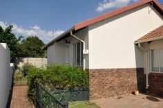 For Sale for only 2 Bedroom Townhouse in Nossob Park, Erasmuskloof, Pretoria East by Feel-at-Home Properties Real Estate Business, Online Business, Internet Marketing Company, Holiday Accommodation, Pretoria, Townhouse, Feelings, Park, Bedroom