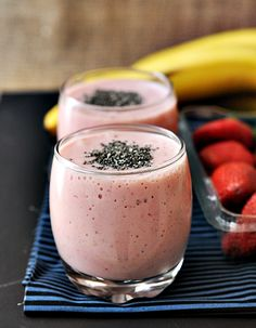 Bannana - Strawberrie smoothie with Chia seeds